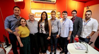 Visita de João Carlos Paes Mendonça à sede Rádio Jornal em Limoeiro