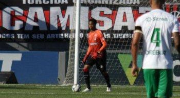 O goleiro Carlos Eduardo foi eleito o melhor da Série B defendendo o Brasil de Pelotas