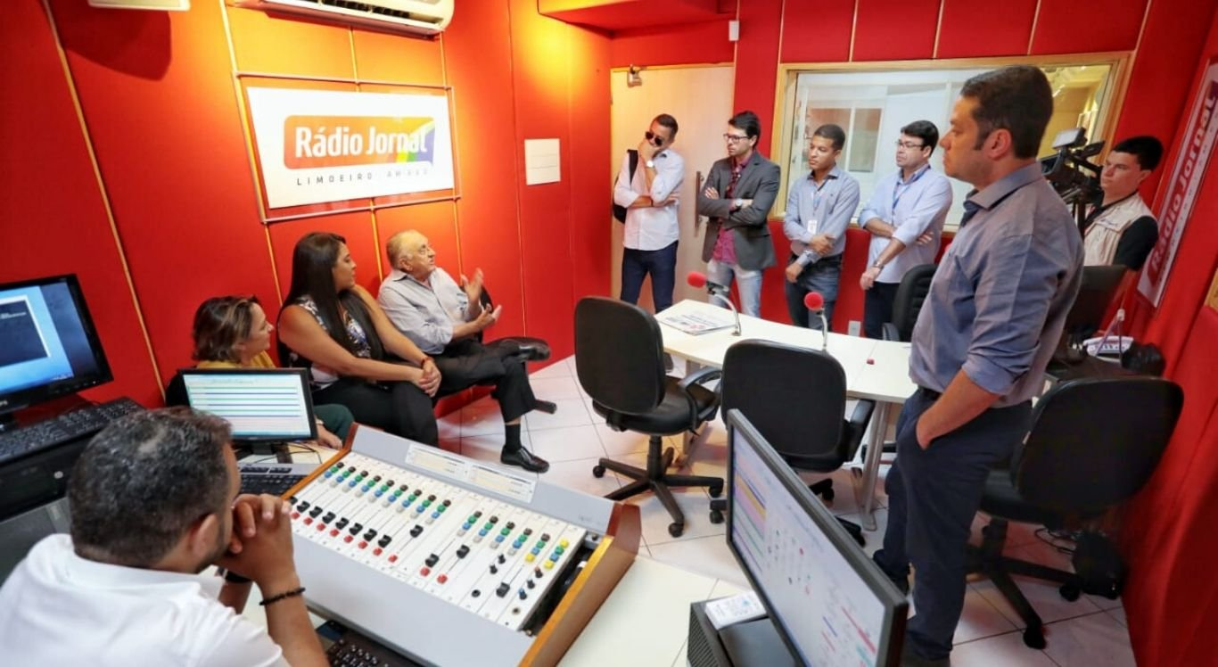 O Presidente do Sistema Jornal do Commercio em visita à sede da Rádio Jornal Limoeiro