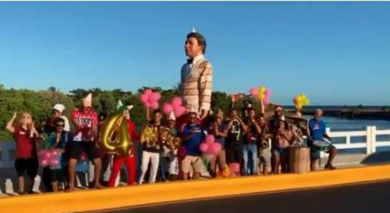 Recife Ordinário realiza festa e ''inaugura'' Ponte do Janga com frevo