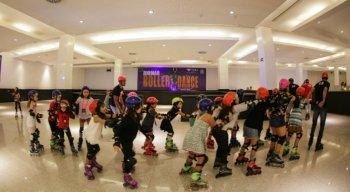 o RioMar Roller Dance é uma oportunidade para você se divertir junto com a família, inclusive com as crianças