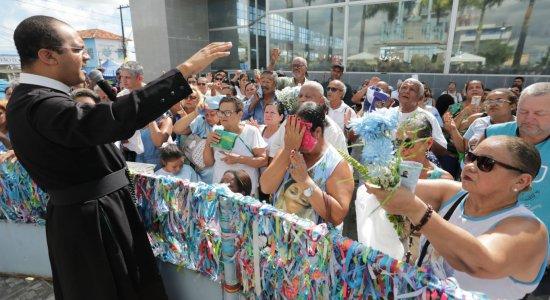 Festa do Morro da Conceição leva fiéis para Zona Norte do Recife
