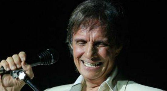 Roberto Carlos canta seus sucessos em duas apresentações em Pernambuco