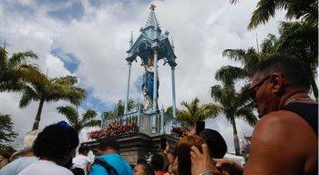 Mar de fieis sobe o Morro da Conceição no dia de Nossa Senhora da Conceição