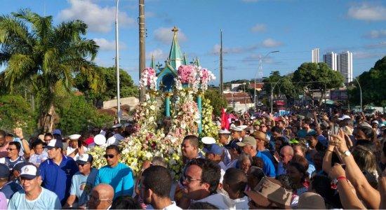 Festa do Morro: procissão marca encerramento do evento