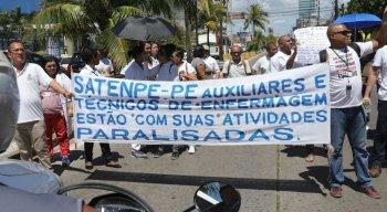 O ato foi organizado pelo Sindicato Profissional dos Auxiliares e Técnicos de Enfermagem de Pernambuco (SATEN-PE)