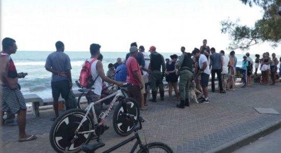 Homem é morto e filho é baleado em briga na praia de Boa Viagem