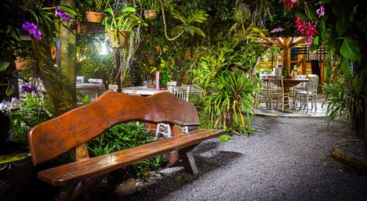 Restaurante Mania Caseira tem jardim