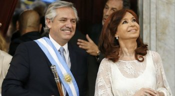 O presidente Alberto Fernández e a vice-presidente Cristina Kirchner tomaram posse nesta terça-feira (10) na Argentina