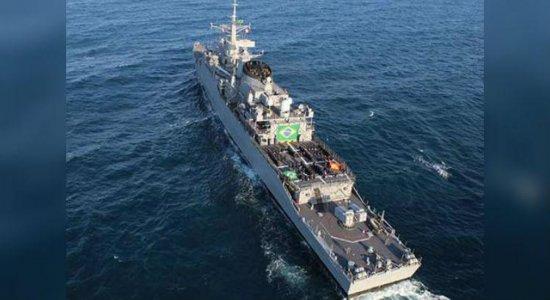 Marinha abre visitação gratuita para navio no Porto do Recife