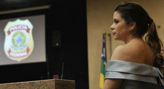 A delegada Carla Patrícia tomou posse nesta sexta-feira (13) e será a primeira mulher no comando da Polícia Federal em Pernambuco
