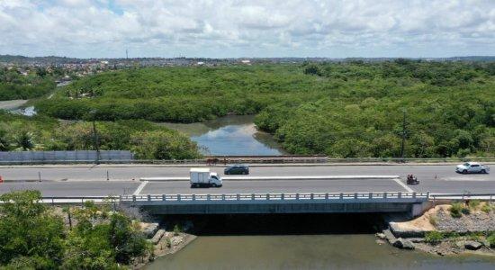 Após quatro anos, inauguração da ponte do Janga tem festa e reclamações
