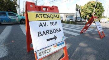 Interdição ocorre na Avenida Rui Barbosa