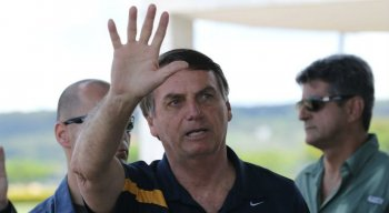 O presidente Jair Bolsonaro afirmou neste domingo que vai vetar artigo que triplica a pena para crimes de injúria cometidos pela internet