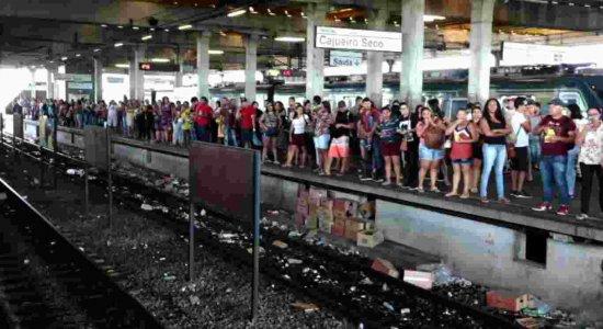 Problema no Metrô do Recife atrasa viagens na Linha Sul