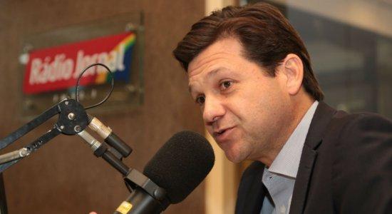 Geraldo Julio evita falar sobre eleições e garante foco na gestão