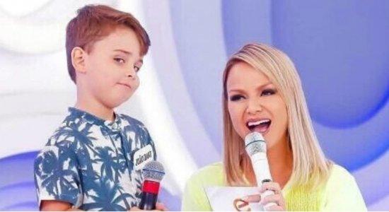 Menino canta paródia e viraliza na internet: ''Cuscuz com ovo é mais gostoso''