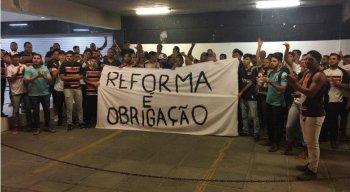 Torcida protestou no Arruda.