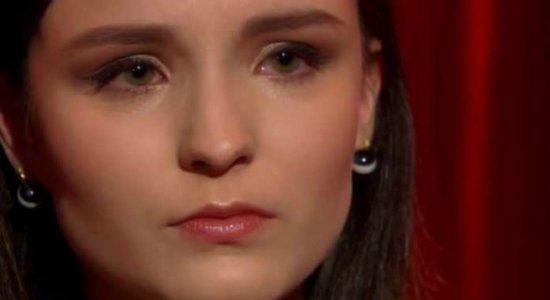 Larissa Manoela se emociona em despedida do SBT e lê carta aberta