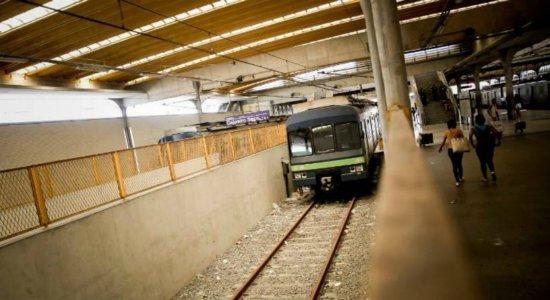 Após queda da rede aérea, Linha Sul do Metrô do Recife volta a funcionar
