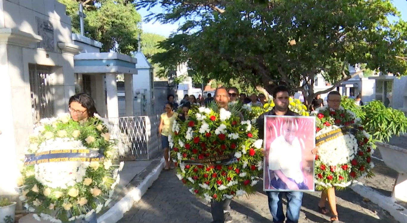 Enterro do Mestre Dila foi realizado na tarde desta quinta-feira