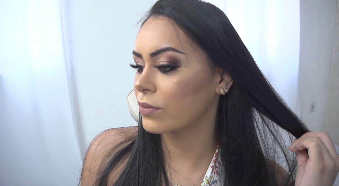 Maquiagem simples e bonita pode ser usada em formaturas