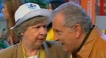 Zilda Cardoso e Carlos Alberto de Nóbrega durante o programa 'A Praça é Nossa'