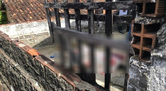 Feminicídio: mulher é morta com várias facadas e companheiro é suspeito do crime