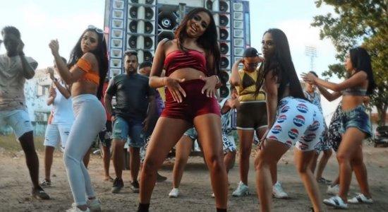 Loma e as Gêmeas Lacração lançam novo clipe com passinho; assista