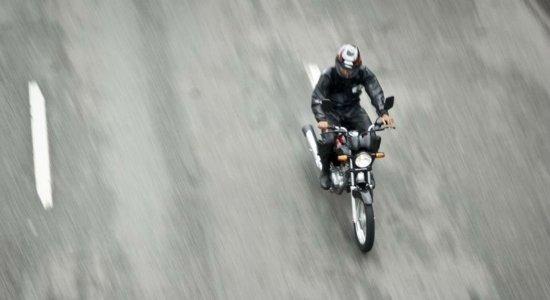 De cada 10 atendimentos por acidente no SUS, 8 são motociclistas