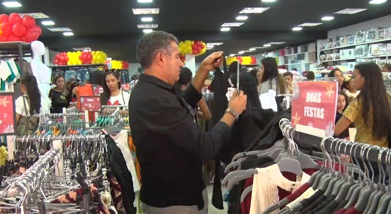 Comércio de Serra Talhada ficou lotados nos dias que antecedem o Natal