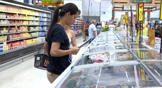 Coronavírus: É preciso lavar embalagens dos alimentos? Médica responde