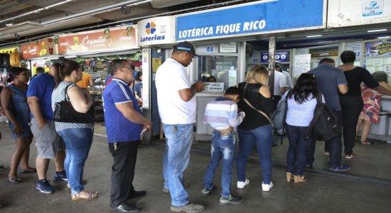 Vencedor da Mega-Sena ganha mais de R$ 53 milhões sozinho; saiba suas chances de acertar também