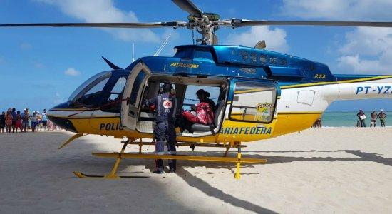 Adolescente sofre afogamento na praia de Piedade, em Jaboatão