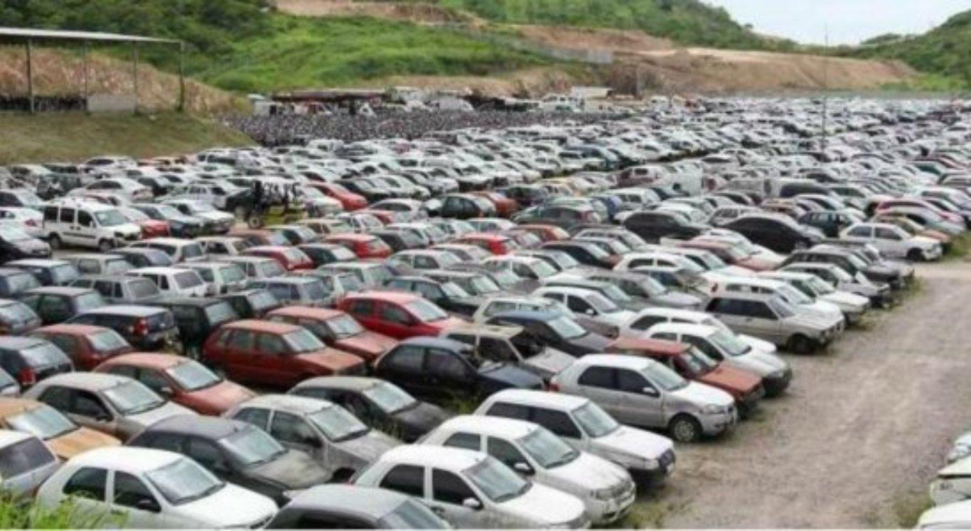 Detran promove leilão de veículos