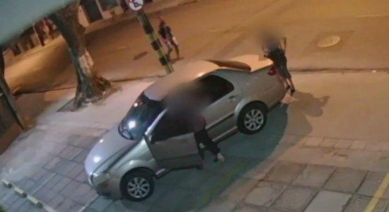 Vídeo mostra desespero de mãe e filha assaltadas no Espinheiro