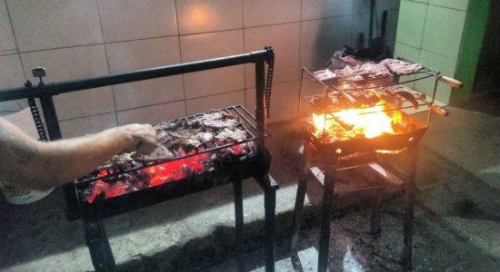 Reeducandos de Penitenciária em Caruaru têm noite de Natal com churrasco