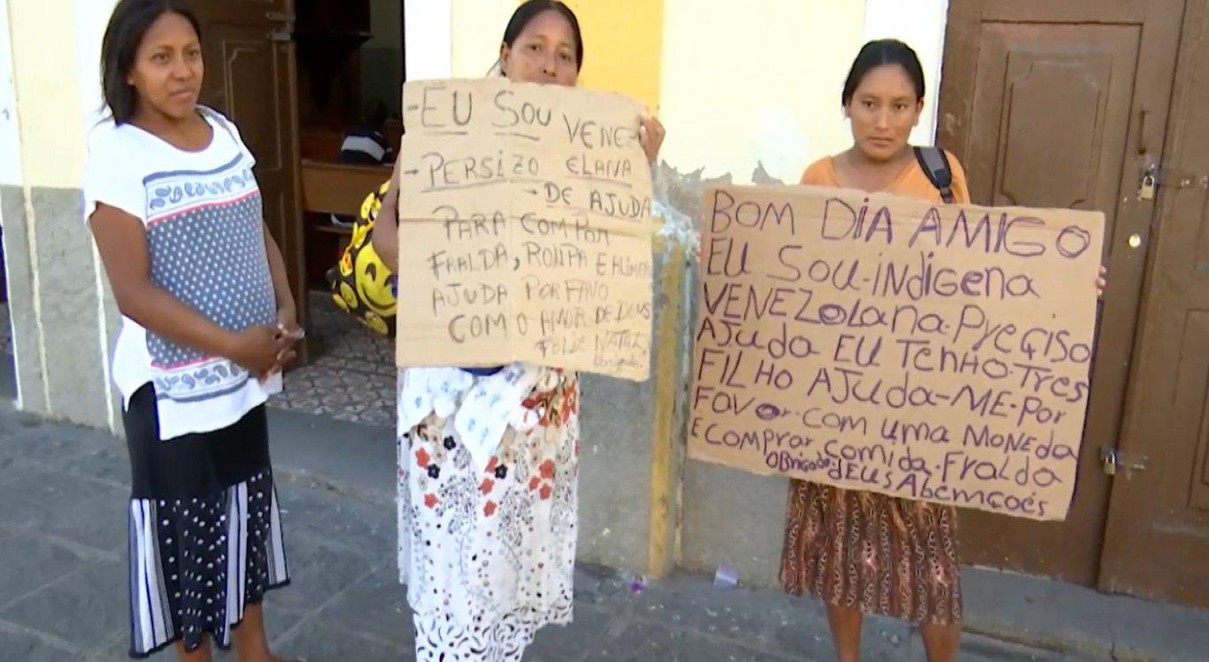 Eles pedem desde comida e roupas até fraldas para as crianças