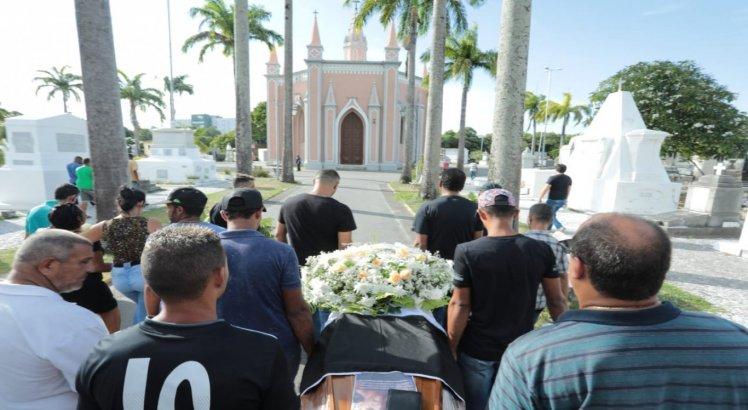 Ednaldo Moreira, pai do motorista de aplicativo achado morto em Sâo Lourenço da Mata.