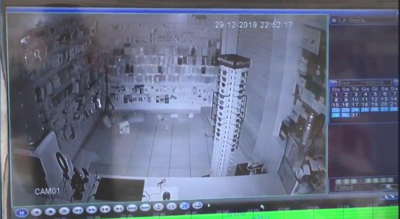 Vídeo de loja de acessórios mostra tremor de terra em Caruaru