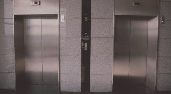 O elevador despencou nove andares no edifício Residencial Tiffany, na rua Guararapes (Vila Belmiro), em Santos