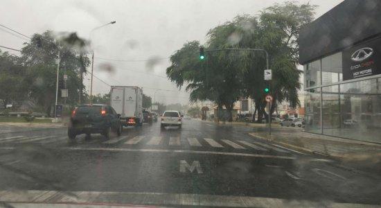 Em Petrolina, chuvas começaram na manhã desta terça