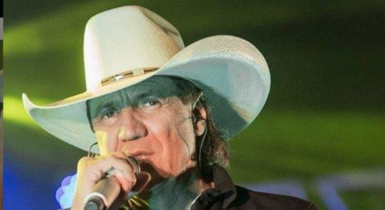 Vídeo mostra momento que cantor sertanejo Juliano Cezar sofre infarto e morre no palco