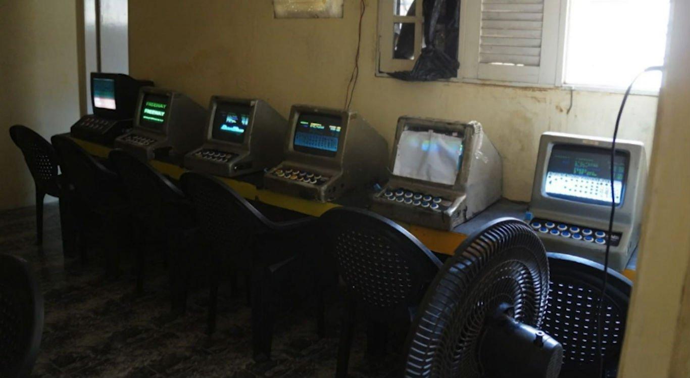 Máquinas caça-níqueis foram levadas para a 1ª Delegacia de Caruaru