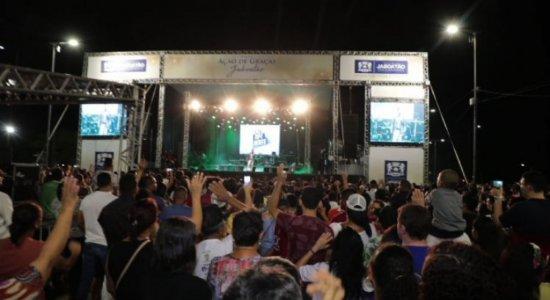 Show de Ação de Graças reúne milhares de evangélicos em Jaboatão