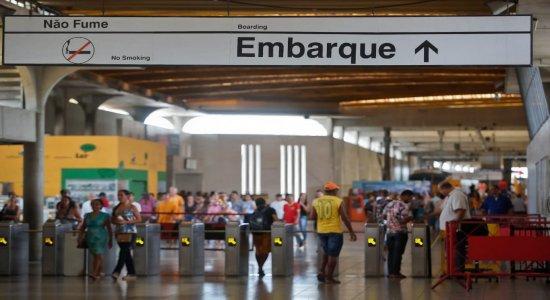 Ramal Camaragibe do Metrô do Recife fica sem funcionar e estações fecham após forte chuva derrubar árvore