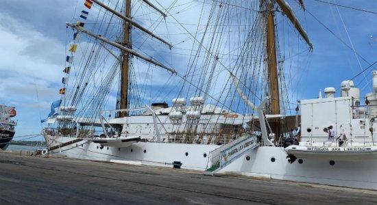 Veja como visitar navio-escola argentino no Recife até esta sexta