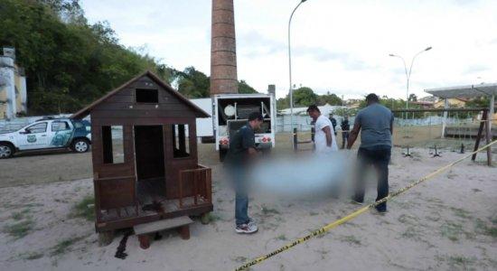 Crianças encontram homem morto dentro de brinquedo no Parque da Macaxeira