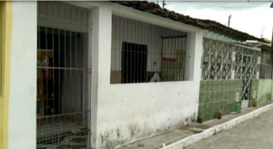 Grávida é atingida por bala na cabeça na frente de casa, no Agreste