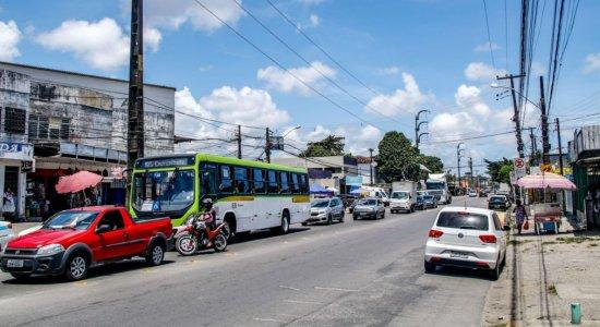 Avenida Presidente Kennedy, em Olinda, tem novo desvio por causa de obra